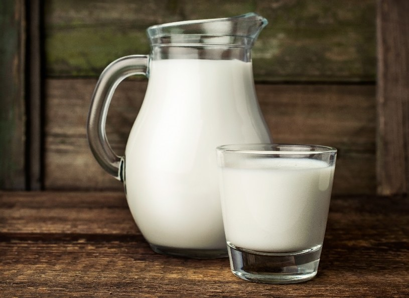 Mleko pomoże na włosy /© Photogenica