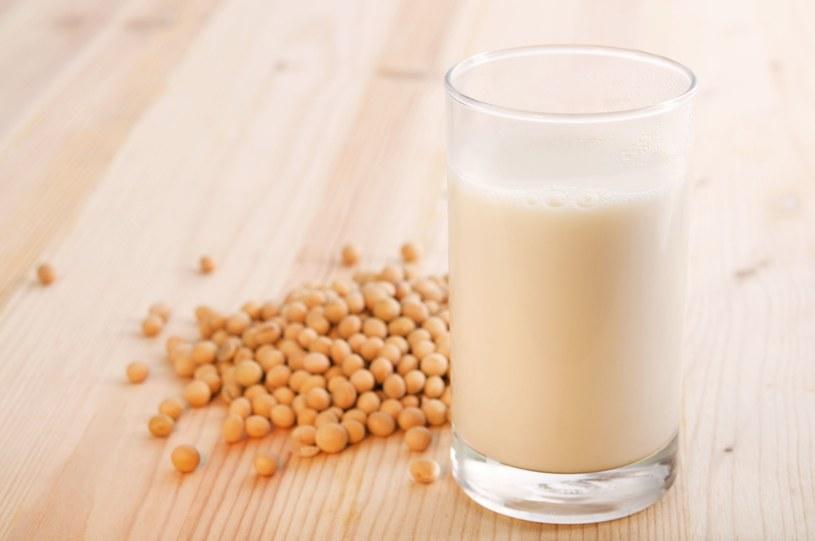 Mleko sojowe - bogate źródło koenzymu Q10 /123RF/PICSEL