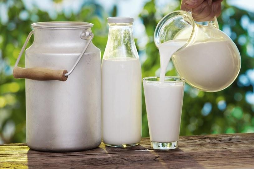 mleko właściwości /© Photogenica