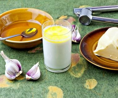 Mleko z czosnkiem na gruźlicę, choroby serca i bezsenność