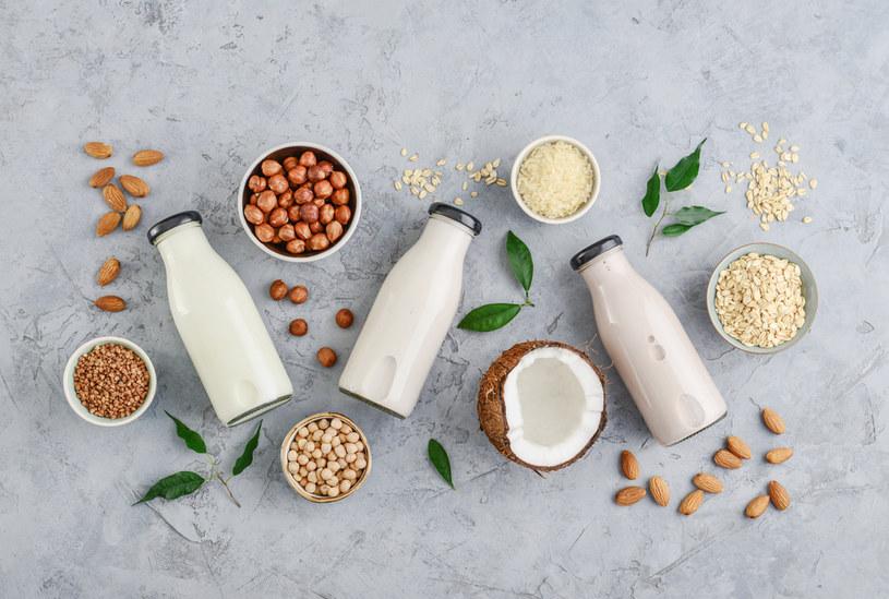 Mleko z orzechów polecane jest m.in. osobom uczulonym na laktozę /123RF/PICSEL