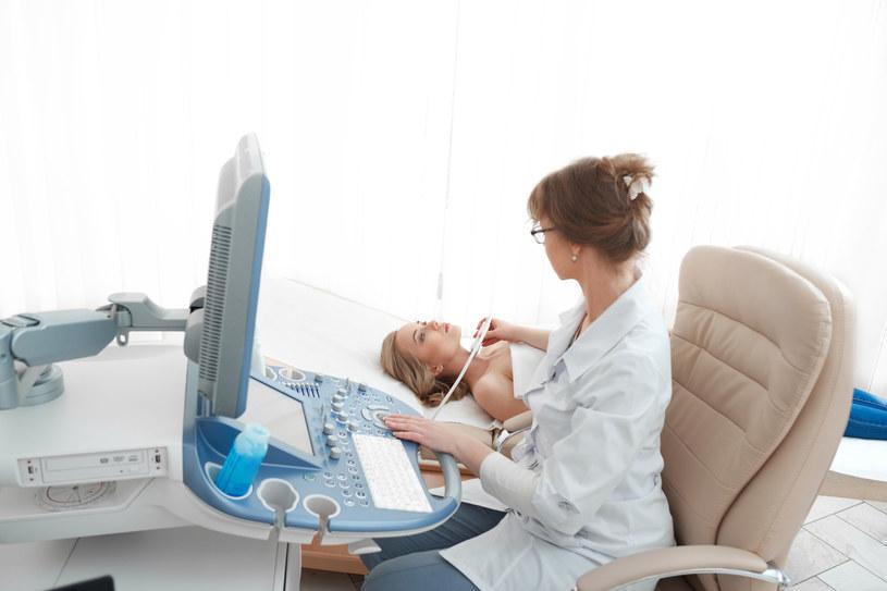 Młode kobiety często myślą, że rak to przypadłość ludzi starszych /123RF/PICSEL