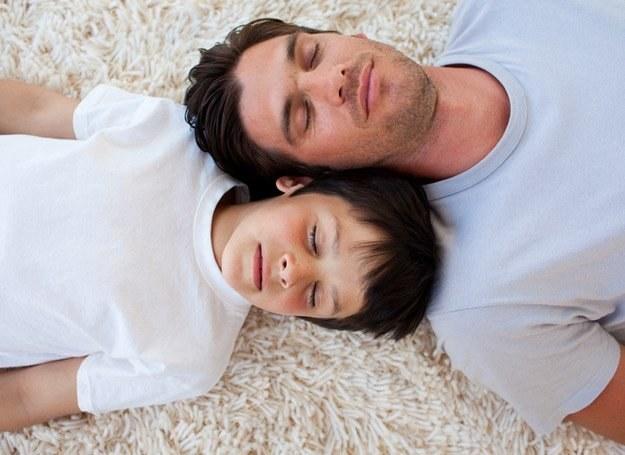 Młodszy ojciec ma więcej energii, starszy jest w stanie zapewnić dziecku lepsze warunki materialne /© Panthermedia