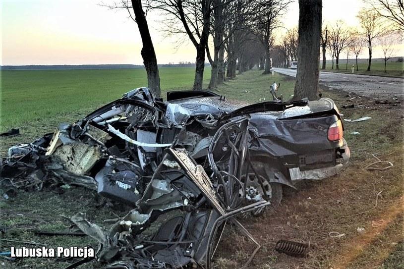Młody kierowca zginął na miejscu /