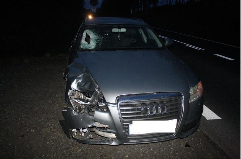Młody piłkarz został potrącony przez samochód; źródło: olkusz.policja.gov.pl /