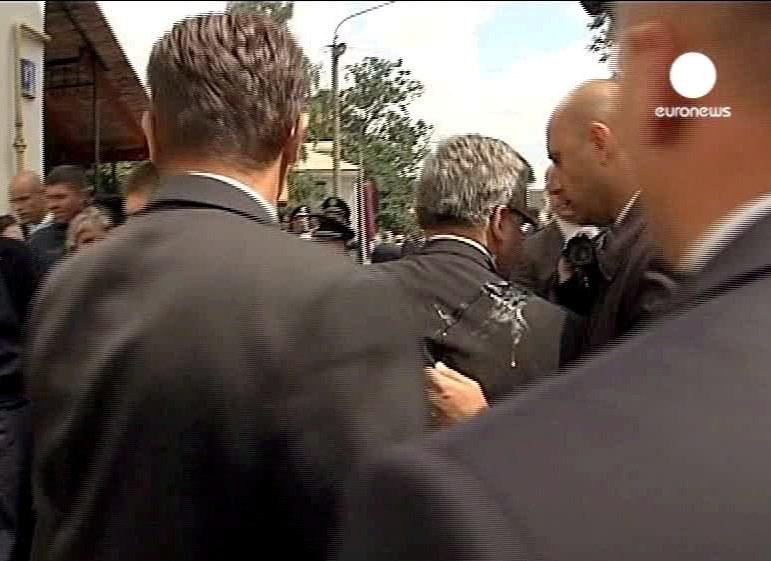 Młody Ukrainiec rzucił w prezydenta jajkiem /Euronews /PAP/EPA