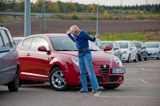 Młodzi kierowcy czują się słabo przygotowani do jazdy /