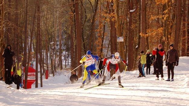 Młodzi narciarze na trasie Biegu na Igrzyska 2012 w Tomaszowie Lubelskim /Informacja prasowa