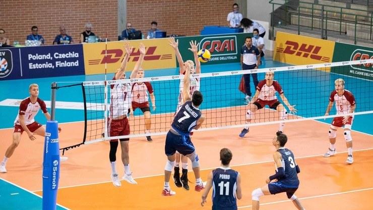 Młodzi polscy siatkarze wrócą z ME z medalem /www.cev.eu