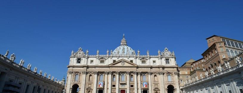 Młodzież miała pojechać do Watykanu /AFP