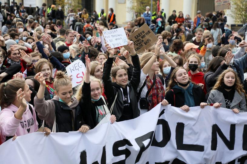 Młodzieżowy Strajk Klimatyczny przeszedł ulicami stolicy /Jakub Kaminski/East News /East News