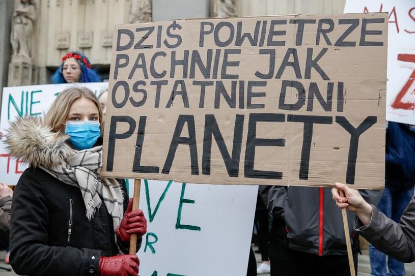 Młodzieżowy Strajk Klimatyczny w Katowicach /Tomasz Kawka /East News