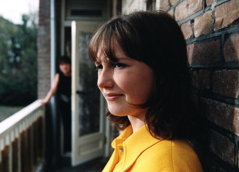 """Młodziutka Carice van Houten w """"Suzy Q"""" /materiały prasowe"""