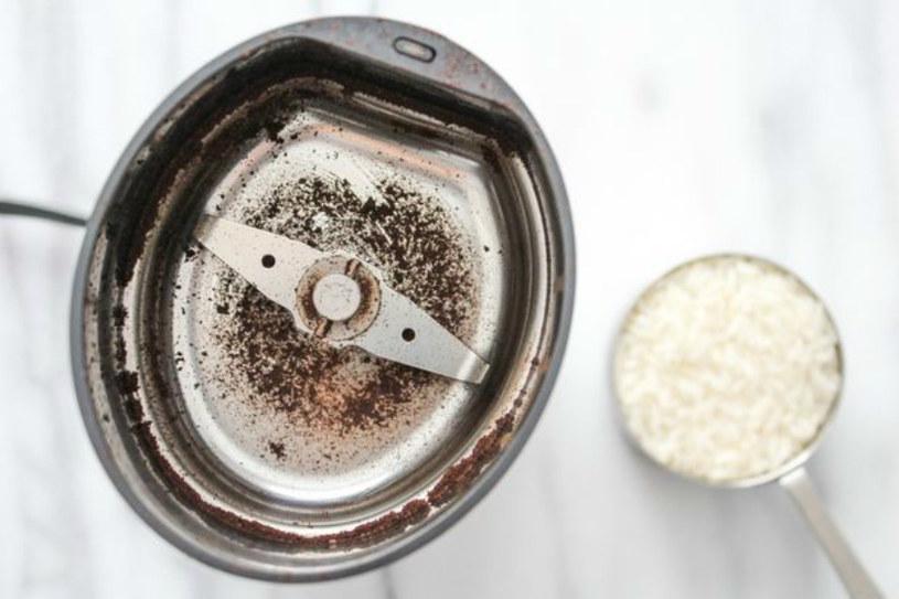młynek do kawy /© Photogenica