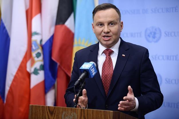 Mniej niż połowa Polaków ufa prezydentowi Andrzejowi Dudzie /PAP