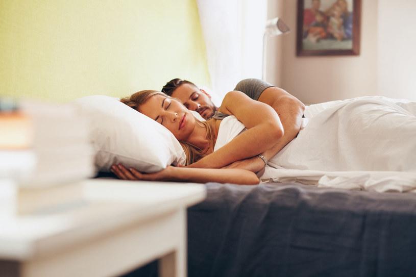 Mniej snu zwiększa podatność na bodziec wywołujący stres /123RF/PICSEL