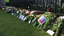 Mnóstwo kwiatów w Windsorze. Anglicy żegnają księcia Filipa
