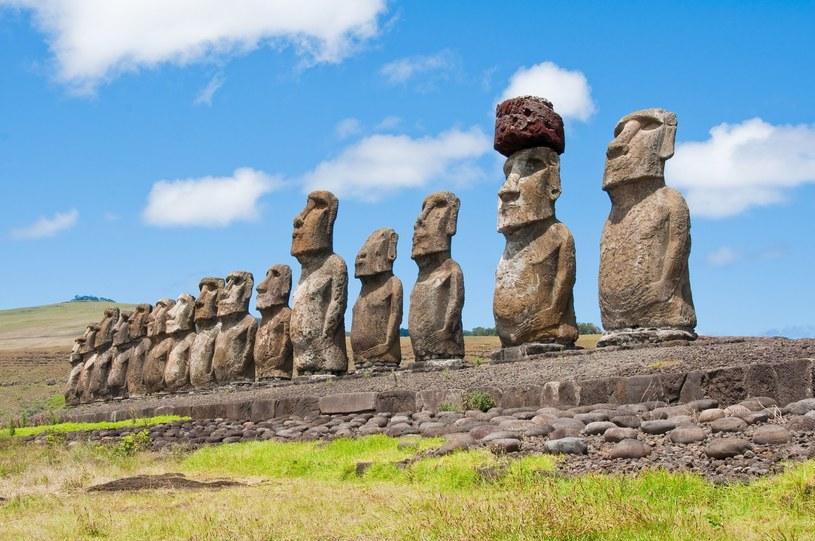 Moai pozostają jedną z największych tajemnic ludzkosci /123RF/PICSEL