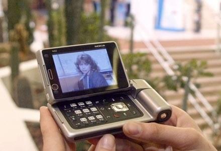Mobilna telewizja jest dostępna od 4 września na terenie Warszawy /AFP