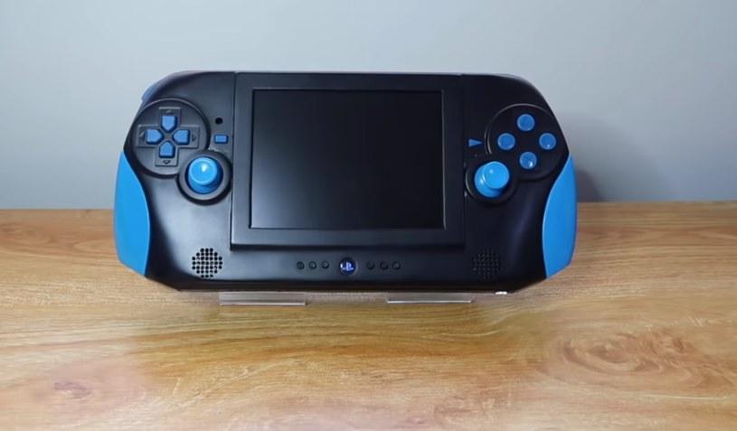 Mobilna wersja konsoli PS2 /ITHardware.pl