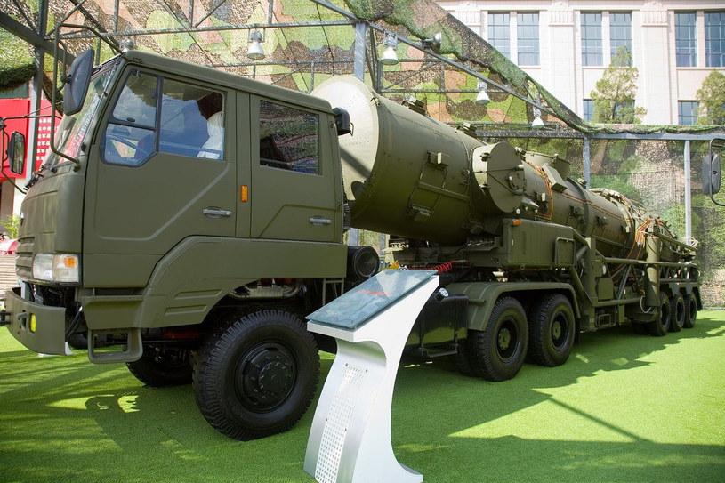 Mobilna wyrzutnia pocisków DF-21 / Fot: Max Smith /Kosmonauta