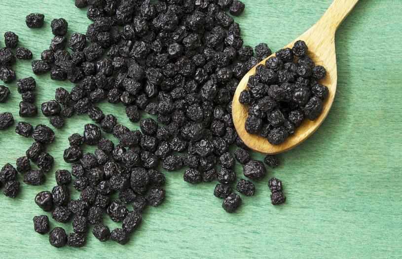 Moc wartości odżywczy obecnych w każdym owocu aronii pomoże wesprzeć system immunologiczny do walki z drobnoustrojami /123RF/PICSEL