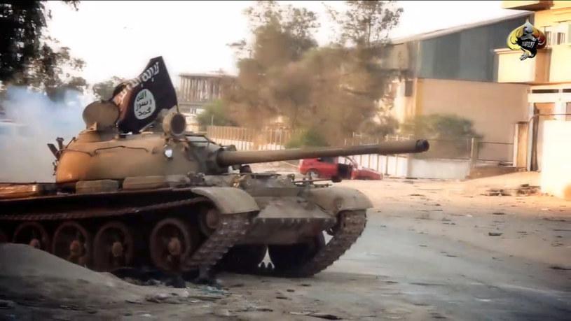 Mocarstwa zachodnie domagają się zakończenia walk w Libii /AFP