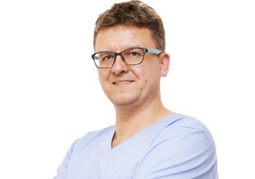 laryngolog ze Szpitala Żeromskiego w Krakowie
