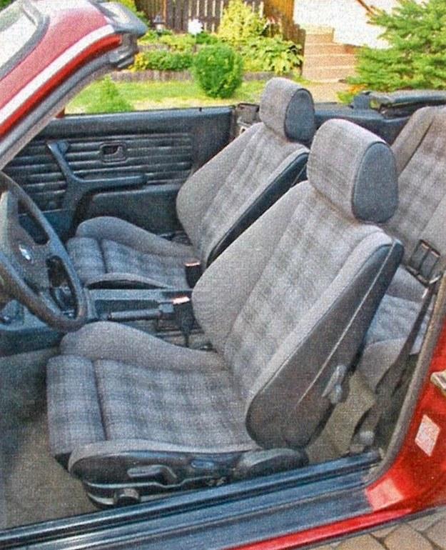 Mocno wyprofilowane fotele są wygodne, tapicerka jest trwała. /Motor