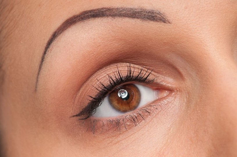 5 Błędów W Makijażu Które Postarzają O 10 Lat Kobietainteriapl