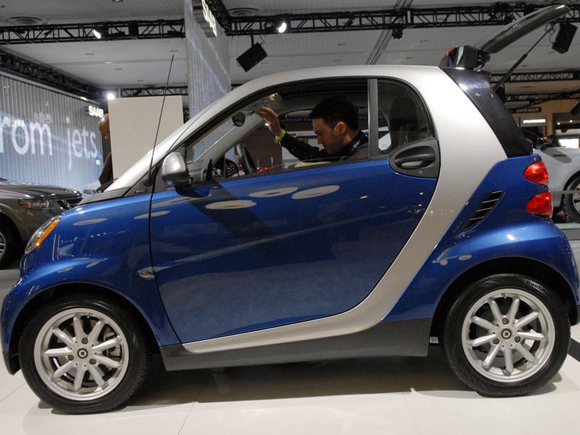 Model Fortwo oferowany jest w dwóch wersjach - hatchback i cabrio  /Getty Images/Flash Press Media