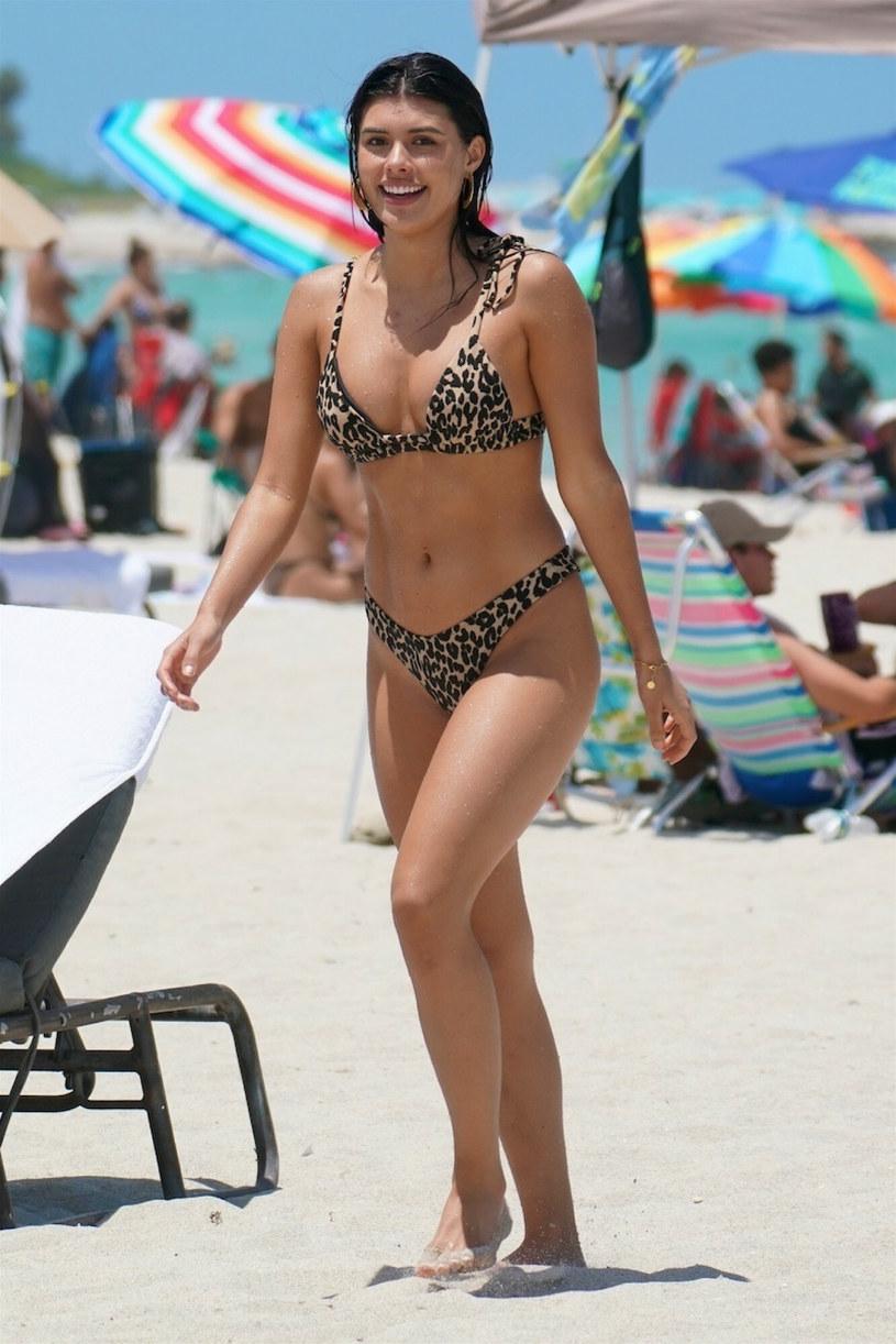 Modelka chętnie pozowała do zdjęć paparazzi /Pichichipixx.com / SplashNews.com /East News