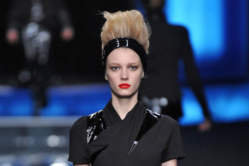 Modelka na pokazie Karla Lagerfelda  /East News/ Zeppelin