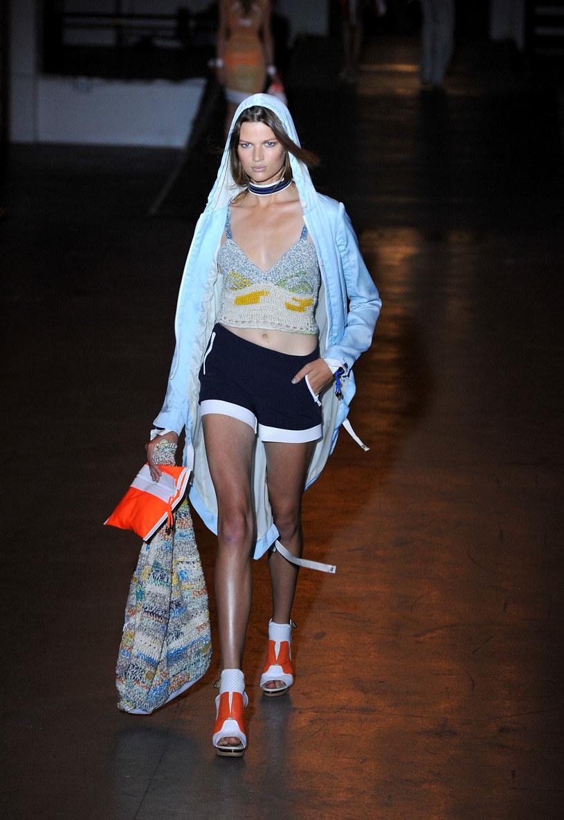 Modelka na pokazie Rag&Bone /Getty Images