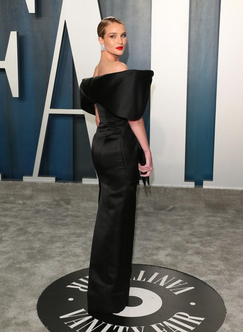 Modelka Rosie Huntington - Whiteley podczas Vanity Fair Oscar Party /JEAN-BAPTISTE LACROIX/AFP /East News