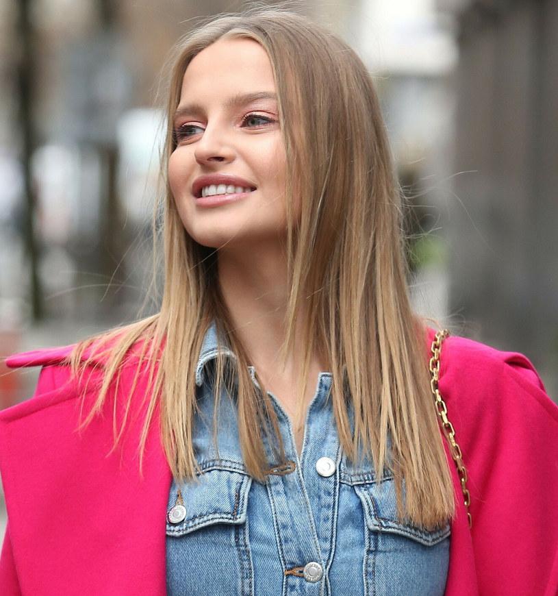 Modelka za sprzątanie plaży otrzymała wiele wyrazów uznania m.in. od swoich znanych koleżanek /VIPHOTO /East News