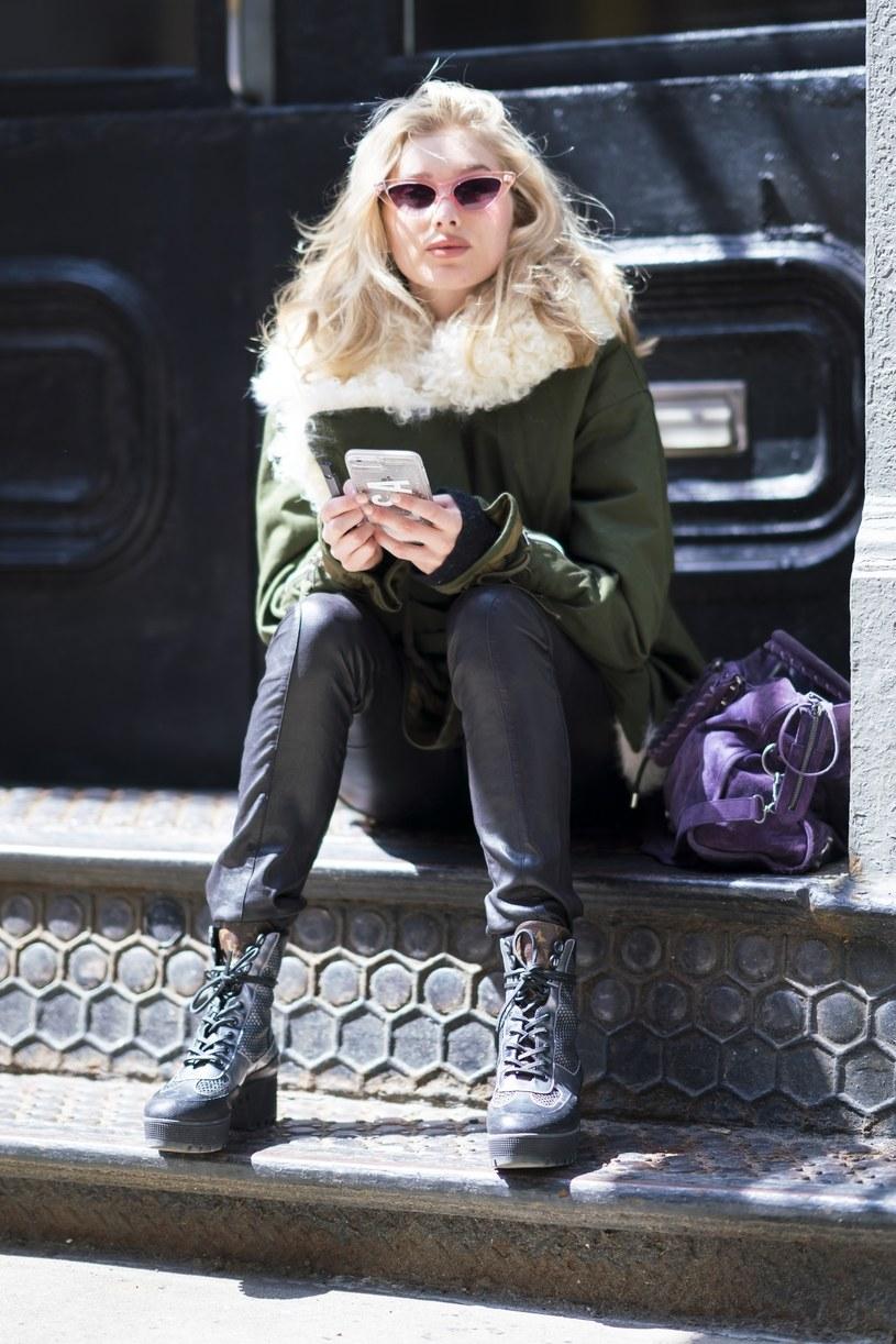 Modelki pokochały tzw. brzydkie buty /East News