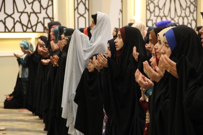Modlący się muzułmanie /Getty Images