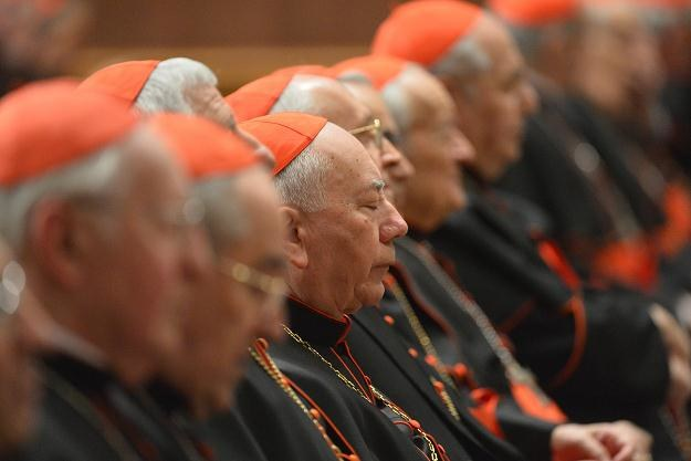 Modlitwa kardynałów przed rozpoczęciem konklawe /AFP