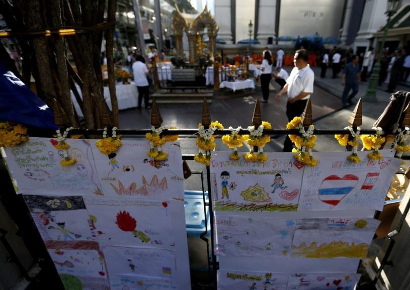Modlitwy po zamachu w Tajlandii /EPA/RITCHIE B. TONGO /PAP/EPA