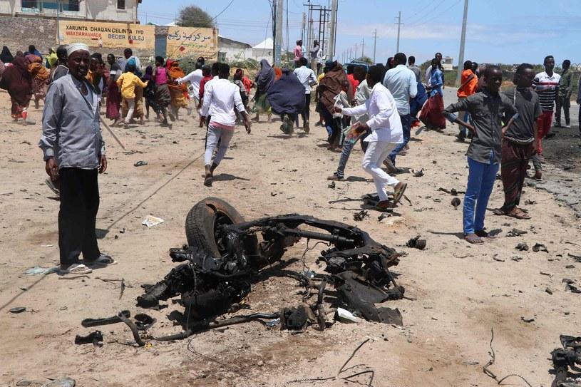 Mogadiszu w Somalii po niedawnym wybuchu samochodu pułapki /AFP