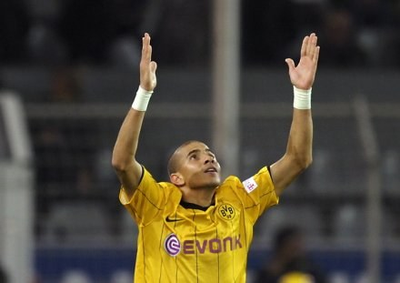 Mohamed Zidan zdobył gola dla Borussii. /AFP