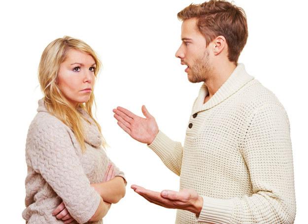 Mój mąż twierdzi, że z wszystkimi obowiązakmi świetnie poradzę sobie sama /123RF/PICSEL