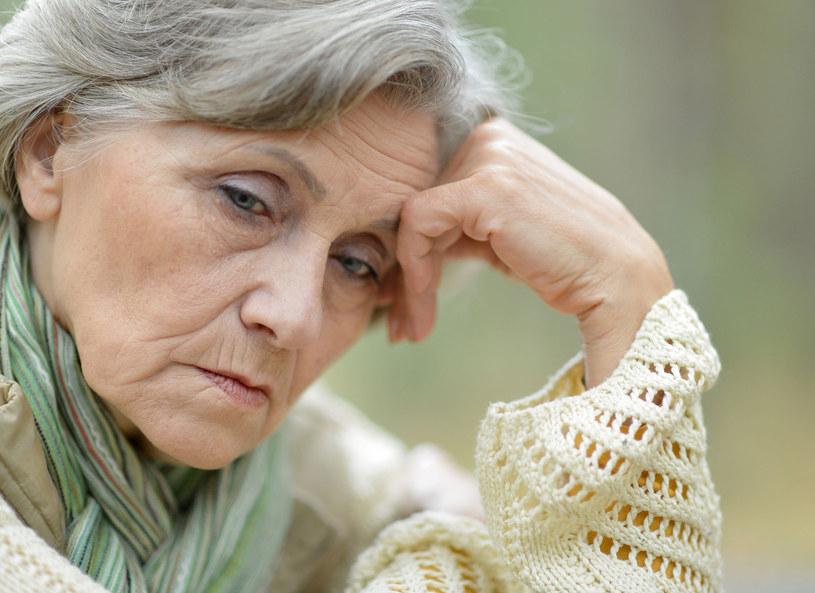 Moja mama wymaga stałej opieki /123RF/PICSEL
