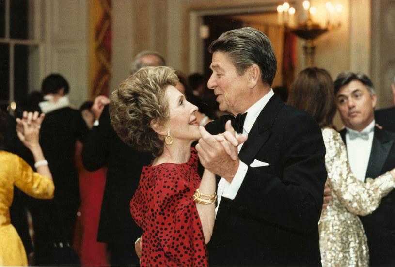 Moje życie tak naprawdę się zaczęło dopiero wtedy, kiedy poznałam Ronniego - zapewniała Nancy Reagan /Getty Images
