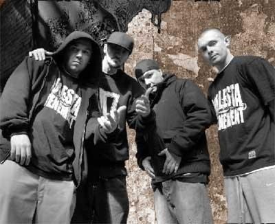 Molesta Ewenement (Włodi z prawej) /Oficjalna strona zespołu