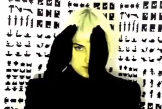 Molly Nilsson mieszka i tworzy w Berlinie /