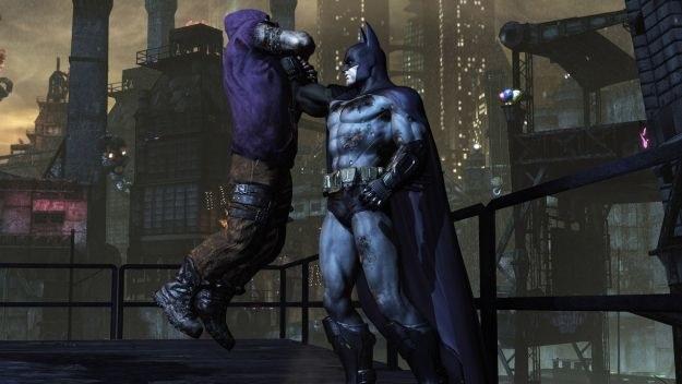 Moment przesłuchania zbita przez Batmana to nic przyjemnego dla tego pierwszego /Informacja prasowa