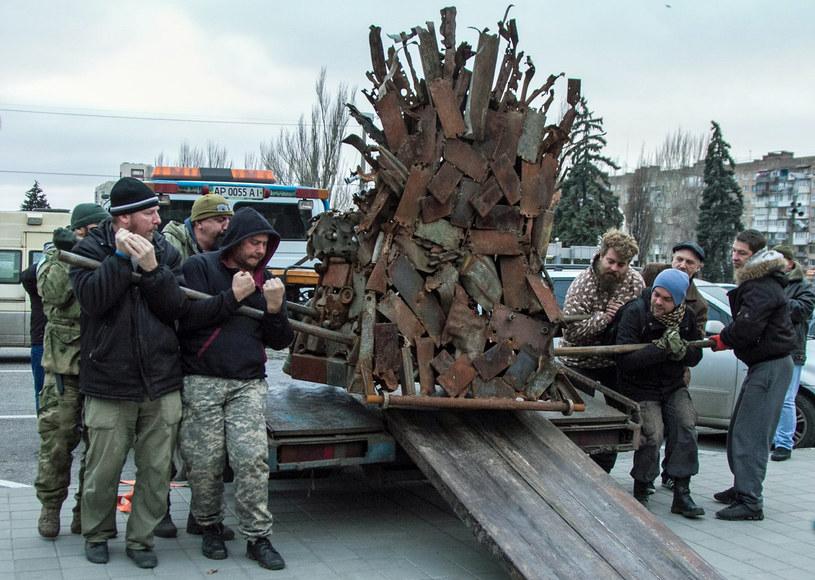Moment przywiezienia tronu z frontu do Zaporoża /Kateryna Klochko /materiały prasowe