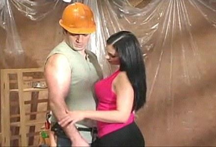 """""""Momenty"""" były? Nie! Zdjęcie z filmu """"Nailing Your Wife"""". /Internet"""